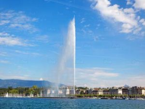 geneva-canton-the-water-of-lake-leman-in-geneva-jet
